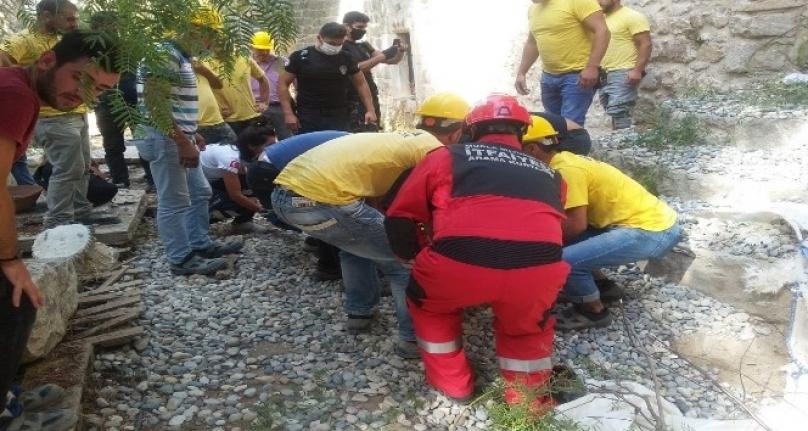 Bodrum Kalesi'nde Vinç Kazası: 1'i Ağır 2 İşçi Yaralandı!