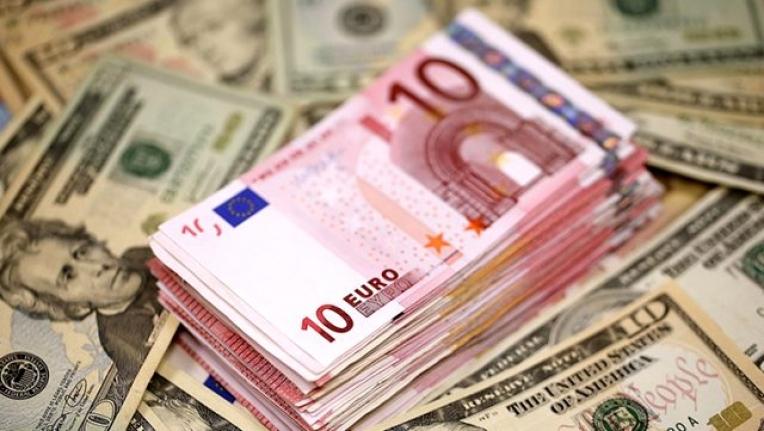 Dolar ve Euro Tarihi Zirveyi Yeniledi, Türk Lirası Resmen Eriyor!