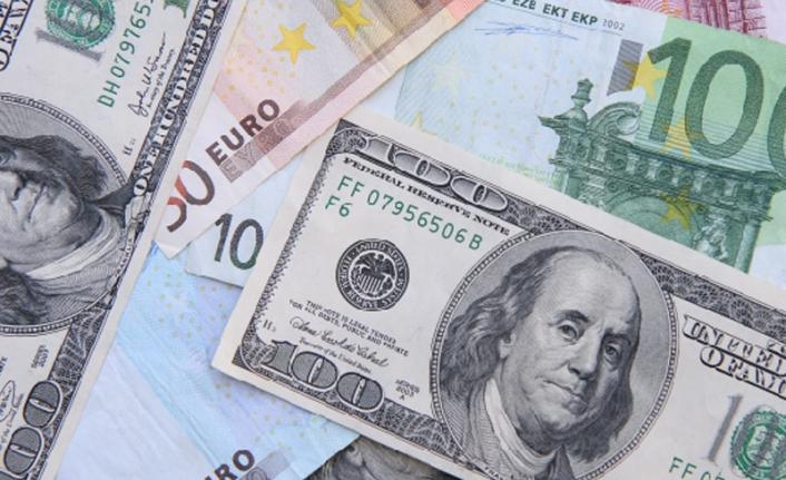 Dolar/TL 7,90'ı Aştı, Döviz Kurlarındaki Yükseliş Hızlandı