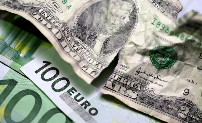 Dolar/TL 8,16'yı Euro/TL 9,64'ü Aşarak Rekor Tazeledi