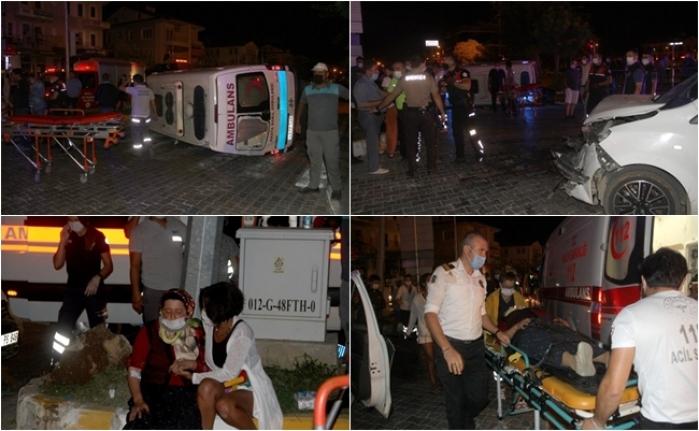 Fethiye'de Ambulansla Hafif Ticari Araç Çarpıştı 6 Kişi Yaralandı