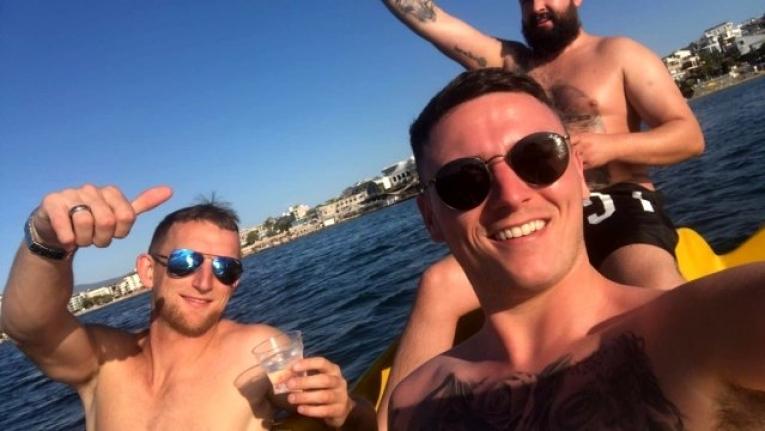 İrlanda'dan Tatile Gelen Genç Ölü Bulundu, 2 Arkadaşı Yoğun Bakımda