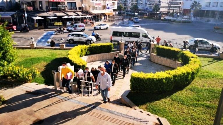 Marmaris'te İnsan Tacirleri Adliyeye Sevk Edildi