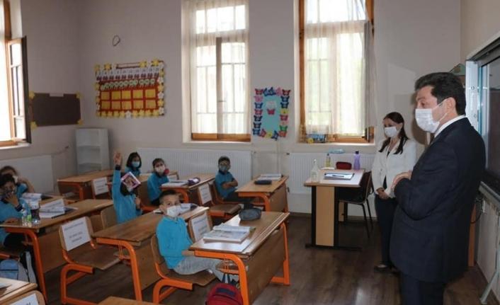 Muğla Valisi Orhan Tavlı Yüz Yüze Eğitime Başlayan Okulları İnceledi
