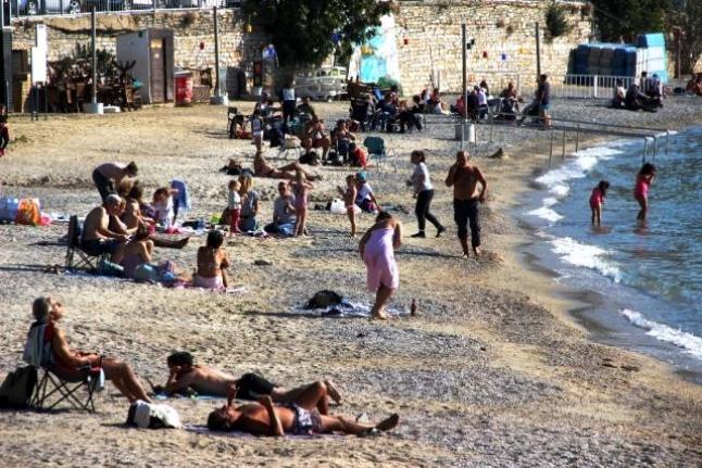 Bodrum'da Vatandaşlar Kısıtlama Biter Bitmez Sahillere Akın Etti