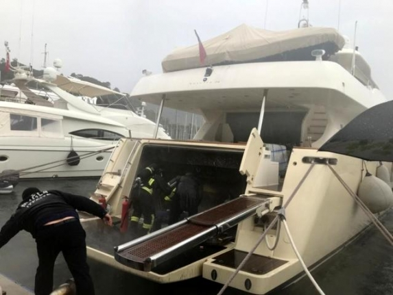 Marmaris'te Lüks Teknede Yangın Çıktı