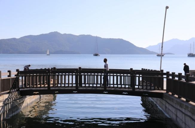 Marmaris Belediyesi'nden Meydana Yeni Köprü
