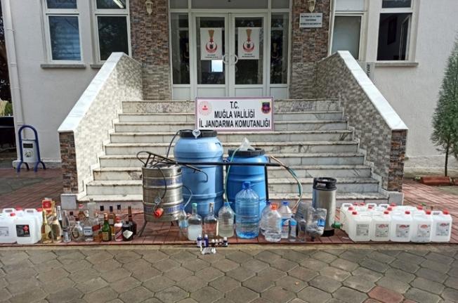 Ortaca'nın Fevziye Mahallesinde 120 Litre El Yapımı Alkol Ele Geçirildi