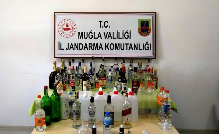 Ula'da Düzenlenen Kaçak İçki Operasyonunda 2 Gözaltı