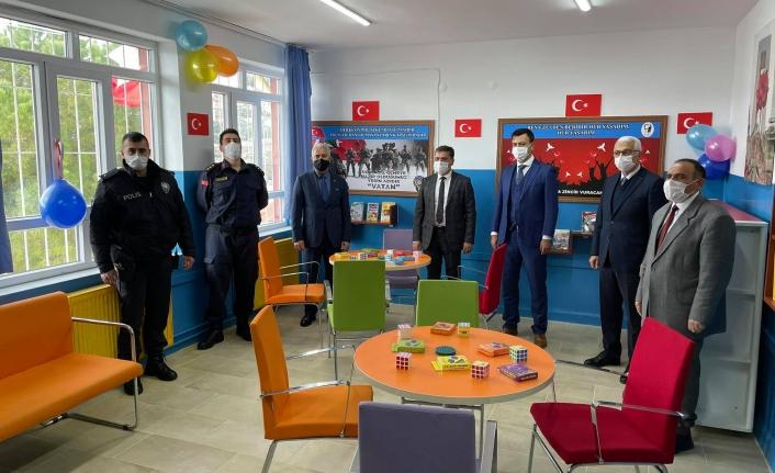Yatağan 'da Polis Amca Kütüphanesi Açıldı