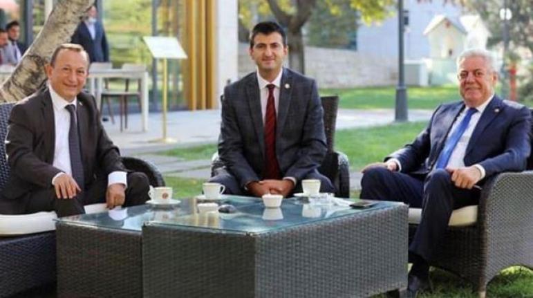 CHP'li Milletvekilleri Mehmet Ali Çelebi, Hüseyin Avni Aksoy ve Özcan Özel Partiden İstifa Etti