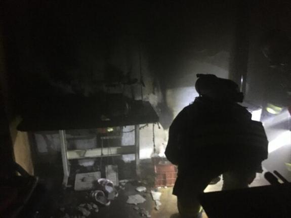 Fethiye'de Koltuk Döşeme Atölyesinde Çıkan Yangın Söndürüldü