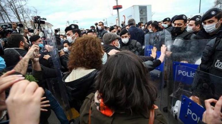 Boğaziçi Eylemlerinde Gözaltına Alınanlar Adliyeye Sevk Edildi; Kartal'da Gösteri ve Yürüyüşler Yasaklandı