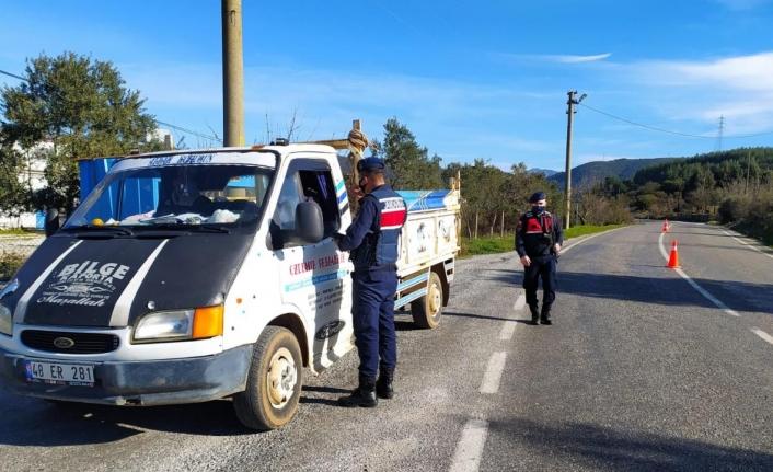 Muğla'da Kovid-19 Tedbirlerine Uymayan 140 Kişiye Ceza Uygulandı