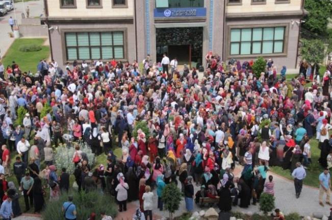 200 Kişilik İşe 45 Bini Üniversite Mezunu 52 Bin Başvuru Yapıldı!