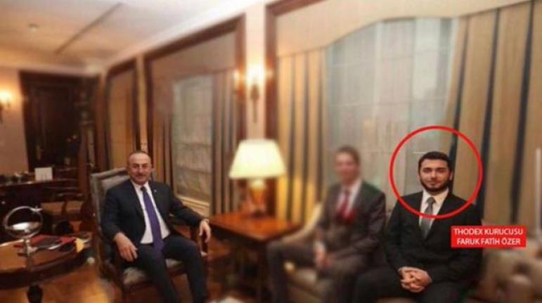 Bakan Çavuşoğlu'ndan Thodex'in Kurucusuyla Birlikte Çekildiği Fotoğrafa İlişkin Açıklama: Kendisini Tanımıyorum