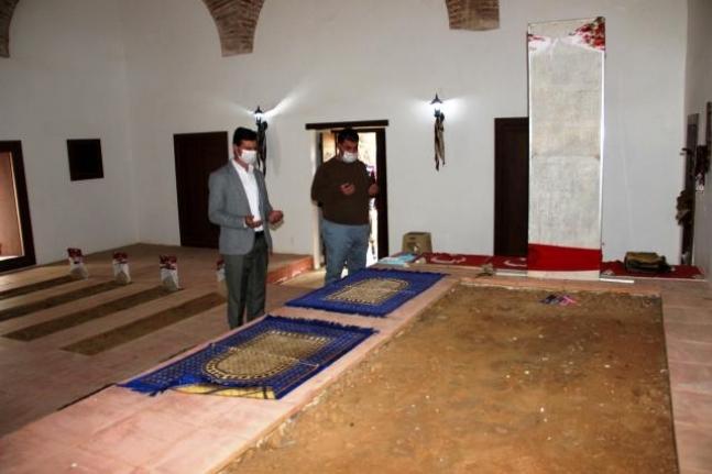 Milas'ta Şeyh Bedrettin'in Türbesi Ramazan Ayında Ziyaretçi Akınına Uğradı