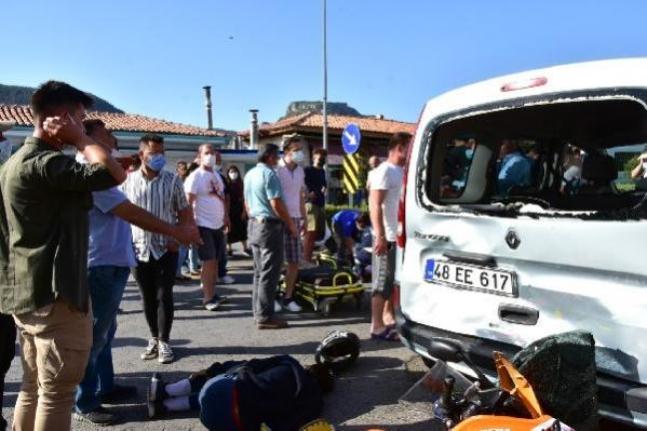 Menteşe'de Kaza Yapan 2 Kişinin Hayatını Taktıkları Kask Kurtardı