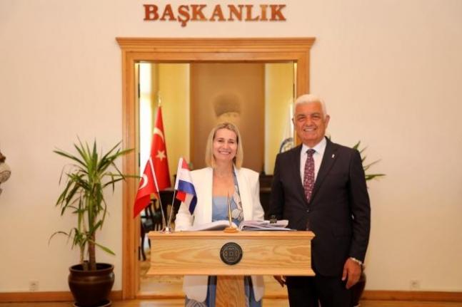 Hırvatistan Başkonsolosu Zerec Başkan Osman Gürün İle Görüştü