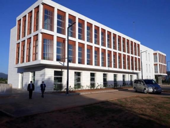 Vali Orhan Tavlı, Teknopark Binası ve Çevresinde İncelemelerde Bulundu