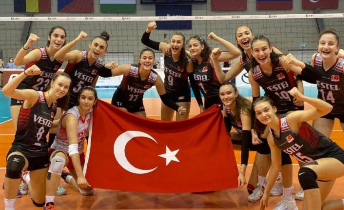 16 Yaş Altı Kız Voleybol Milli Takımı, Yarı Finalde!