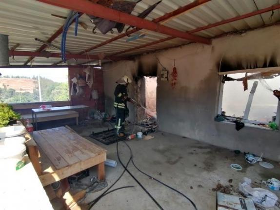 Bozdoğan'da Ev Yangınına Muğla İtfaiyesi Müdahale Etti