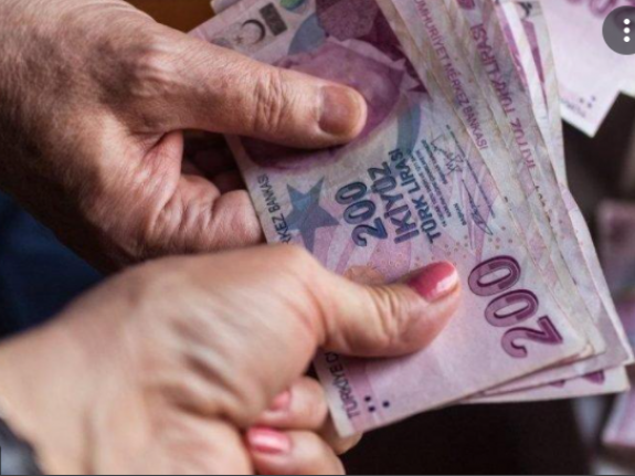 Emekliye Bayram İkramiyesi Teklifi AKP ve MHP Oylarıyla Reddedildi