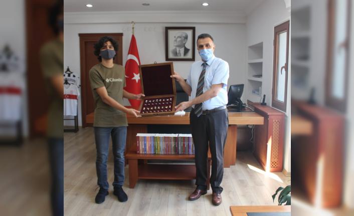 Ortaca Kaymakamı Erdoğan'dan LGS Türkiye Şampiyonu Alperen Özcan'a Ödül!