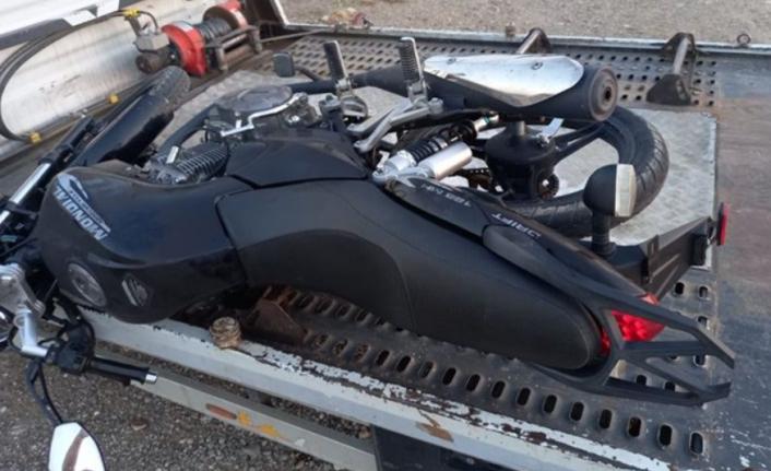 Polis 'Dur' İhtarına Uymayan Sürücüyü Boynundan Vurdu