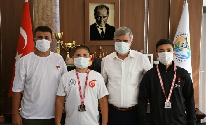 Türkiye Şampiyonlarından Başkan Ceylan'a Ziyaret!