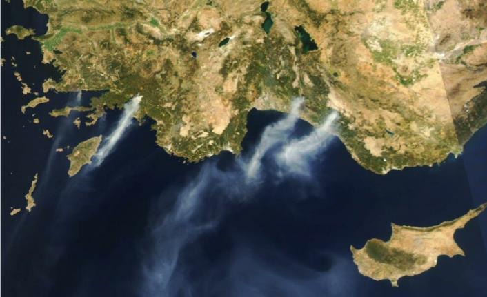 Köyceğiz'deki Yangının Dumanları Rodos'a Ulaştı