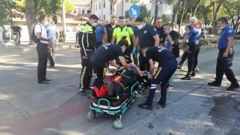 Menteşe'deki Ticari Taksinin Çarptığı Polis Memuru Yaralandı