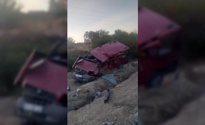 Milas'ta İki Otomobilin Çarpıştığı Kazada Ölü ve Yaralı Var!