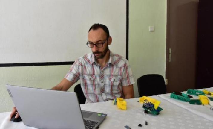 Muğla'daki Lise Öğretmeni Kodlama Dersleri İçin Robot Üretti