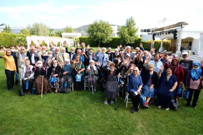Başkan Gürün Yaşlılarla Buluştu