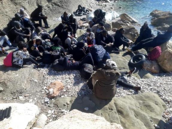 Fethiye'de Ülkeye Girmeye Çalışan 27 Düzensiz Göçmen Yakalandı
