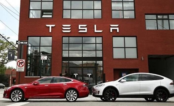 Tesla, Rekor Kâr ve Gelir Elde Etti
