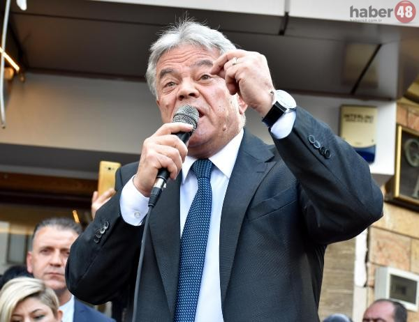 Marmaris Belediye Başkanı ve ilçe yönetim kurulu, CHP'den istifa etti