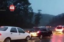 Fethiye'de sağnak yağmur sele neden oldu