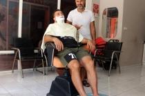 MARMARİS'TE BERBERDEN İLGİ ÇEKEN HİZMET