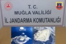 MUĞLA'DA YOL KONTROLÜ YAPAN JANDARMA OTOMOBİLDE UYUŞTURUCU BULDU