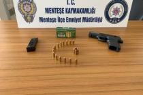 POLİS UYGULAMASINDA RUHSATSIZ SİLAH