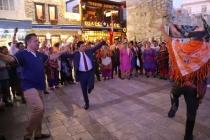 KARAOVA BAĞBOZUMU ŞENLİĞİ'NDE BODRUM BELEDİYE BAŞKANI ZEYBEK OYNADI