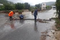Büyükşehir Önlemlerle Su Baskınlarına Müdahale Ediyor