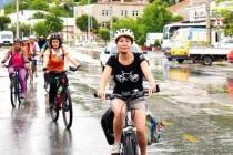 Kadınlar Bisikleti Hayata Katılmak için Bir Araç Olarak Görüyor
