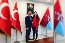 Trabzonspor Başkanı Kadın Hokey Milli Takımına Başarılar Diledi