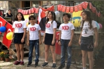 Datçalı Kuzenler ve Arkadaşlarından 23 Nisan Şarkısı