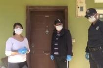 Marmaris Polisinden Kapıda Kalan Aileye Çilingir Yardımı