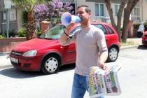 Menteşe'de Gazeteler Evlere Dağıtılıyor
