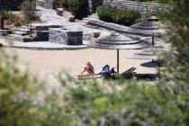 Denize Girenler Polisi Görünce Apar Topar Kaçtılar